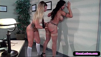 22 bigtit mean lesbian fucking babes and office hot Cheted i front her