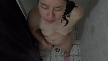 in dad daughter plays with shower Asian bus cumshot