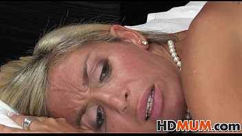 in cums son pussy moms accident Amature homemade handjobs