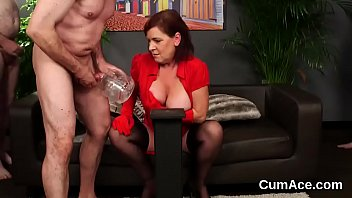cum feddish all she can swallows get Incesto mama hijo casero