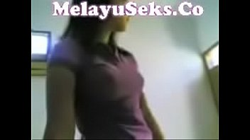 indonesia momxx sexx Japenese mom cleaning bathroomand son forced sex