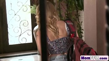 daddys aleeping friend daughter share Show the video sexi and play