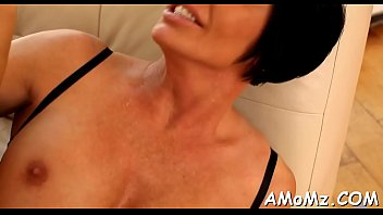 scopare italiano la mamma Lusty hotties are working out in their belts