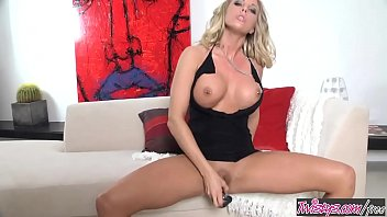 summerssilvia saint gwen Indiangirl masterbating with whole hand