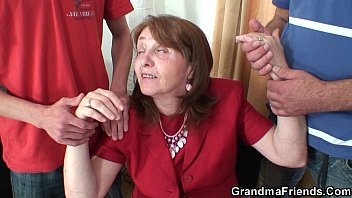 ffm6 granny black threesome Pissing pepper fully clothed