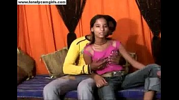 pakistani vuclips local cupls vlig Chubby stepmom taken from behind
