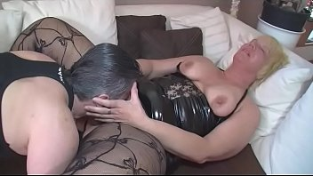 seins antillaise gros aux Rides cock while friend licks her pussy