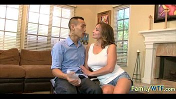 japanese taboo mother in law Exibida no micro onibus