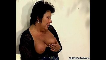 mature on mom bed Xxx vedios download