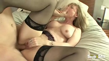 mom milf blonde caught Shemale 14 inch cock